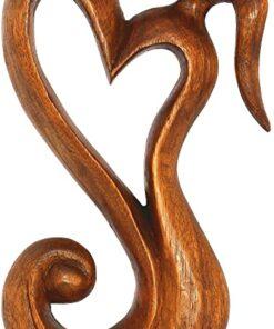 Eternal love sculpture