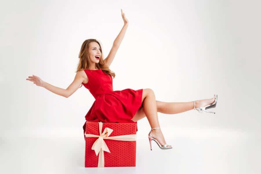 الهدايا لها